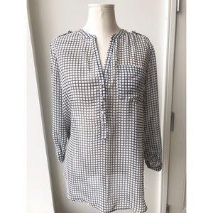 Apt 9 black and white blouse size medium